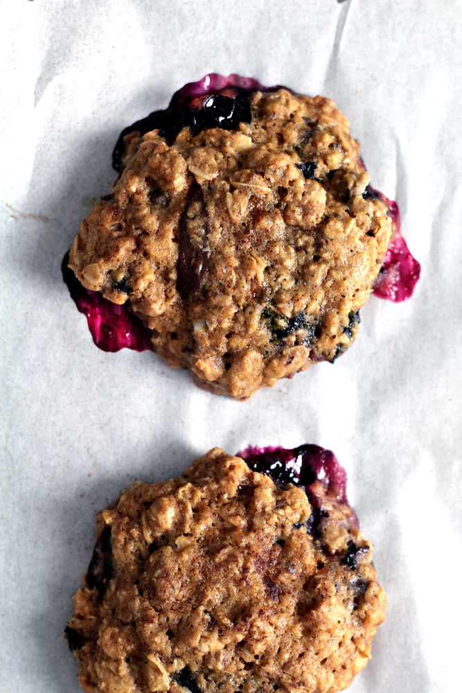 oatmeal-chocolate-blueberry-cookie08