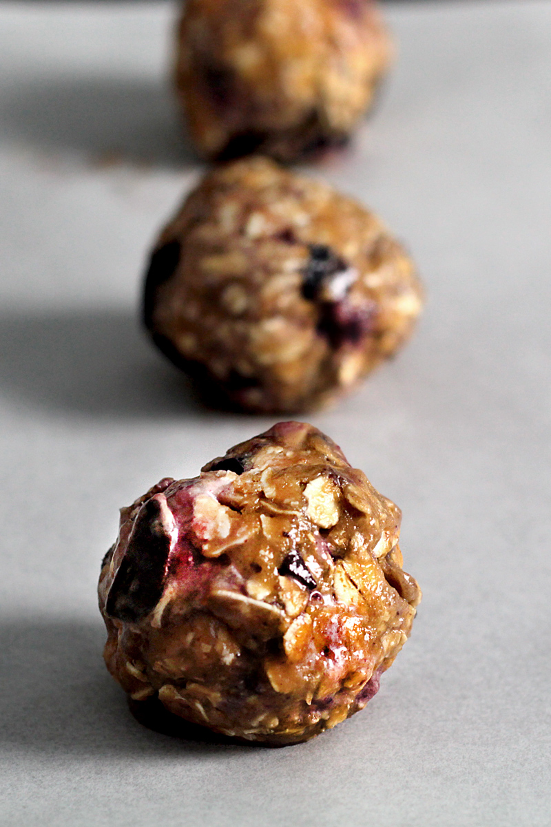 oatmeal-chocolate-blueberry-cookie18