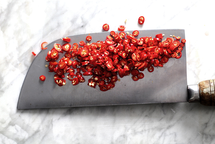 mean-santa-chili-sauce03