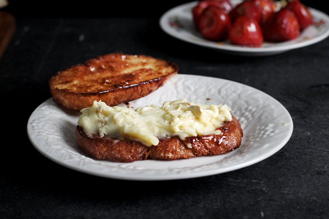 strawberry-brie-grilled-cheese12