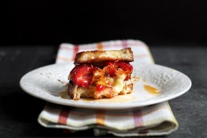 strawberry-brie-grilled-cheese23
