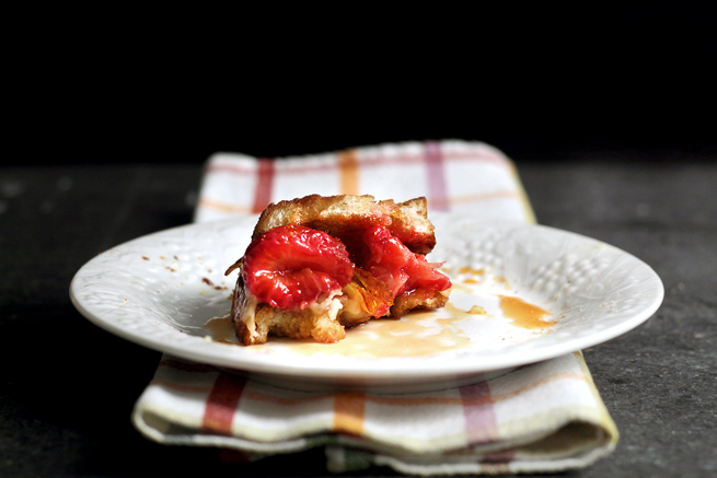 strawberry-brie-grilled-cheese24