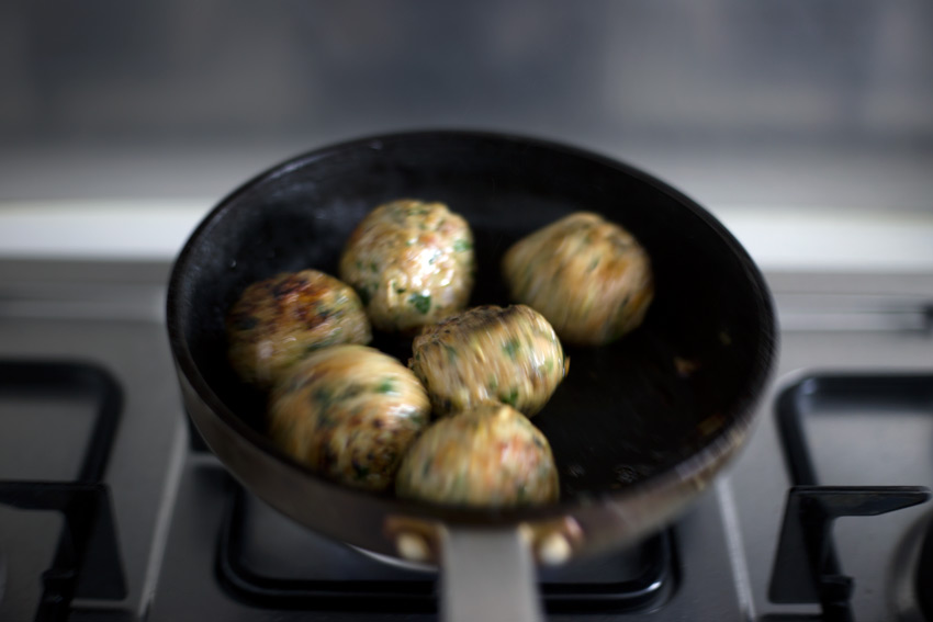 sambal-meatball08