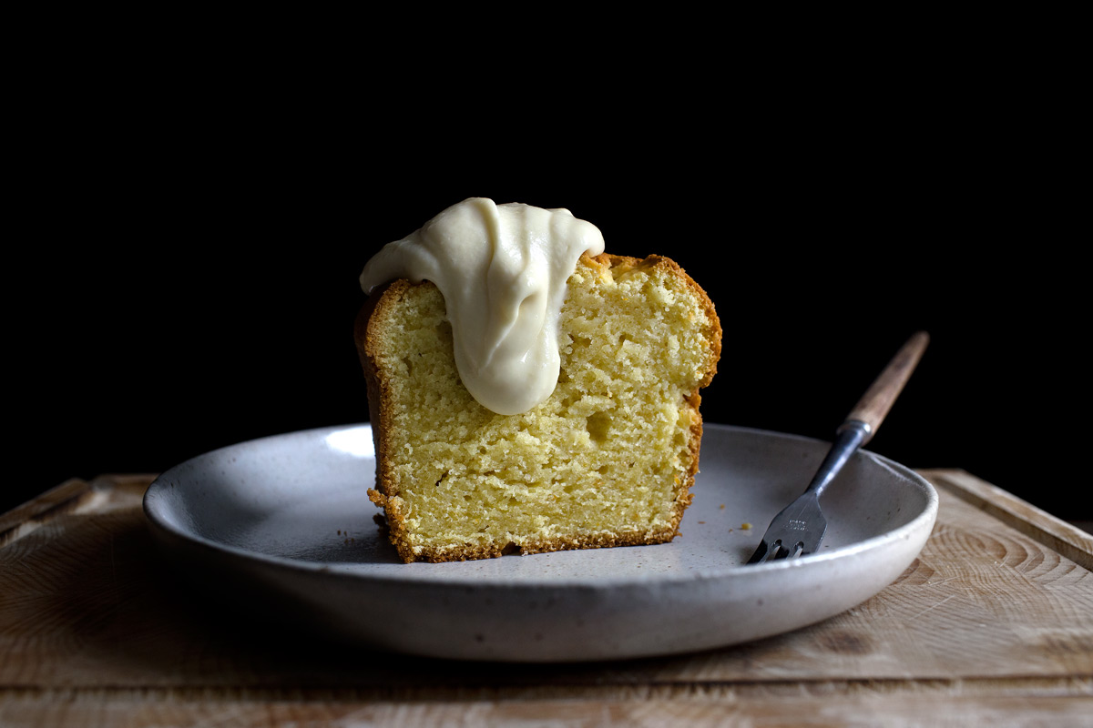 THE YOGURANGE BUTTERCREAM SAUCE AND POUND CAKE