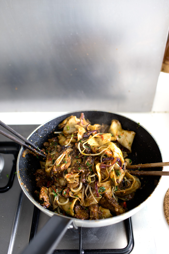 My xian famous spicy cumin lamb hand smashed noodles lady and cumin lamb noodle14 forumfinder Images